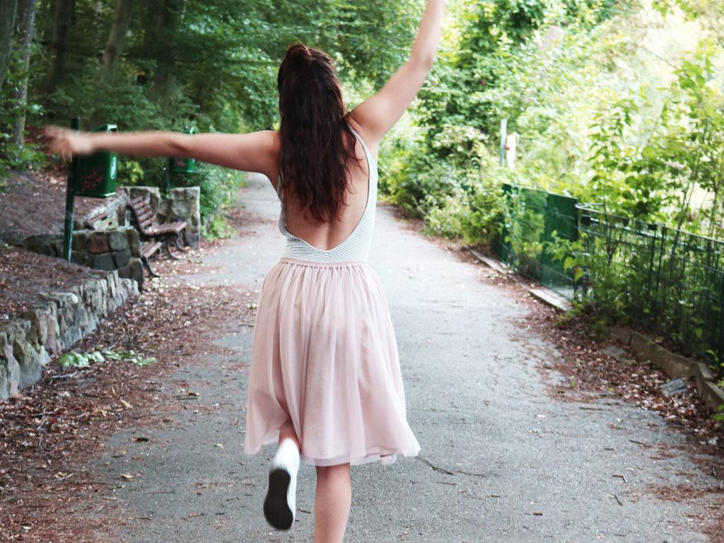 Ich tanze gerade viel. Niemand merkt etwas.