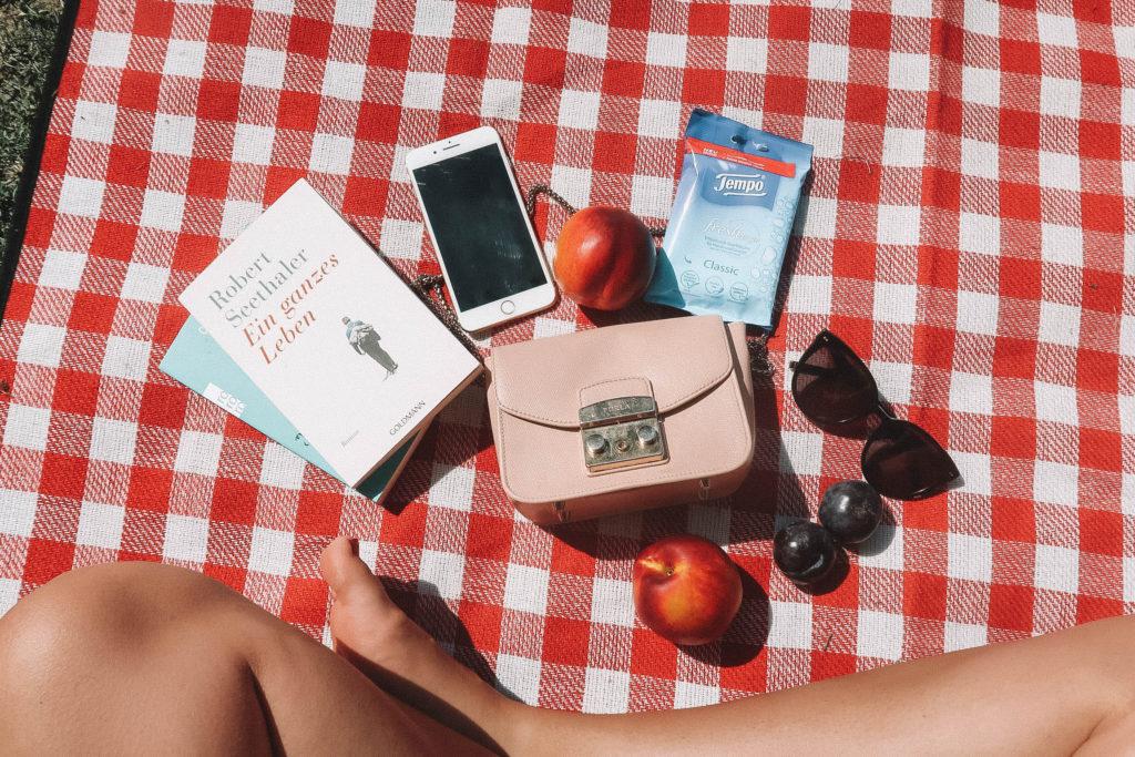 Mein Leben im Sommer in einer Tasche